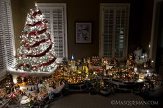 Amazing christmas houses arranged in a city----Photographing a Miniature Christmas City by Department 56 ~ Andrew Hughes of Masqueman Photography - Atlanta, GA