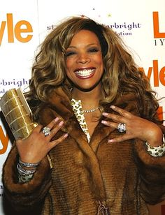 Hairstyle Trends 2013, 2014, 2015: Wendy Williams Best Wigs, Weaves And Hair Extensions
