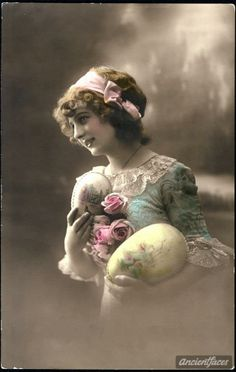 ۞ ۩  A beautiful French Victorian era Easter photo.