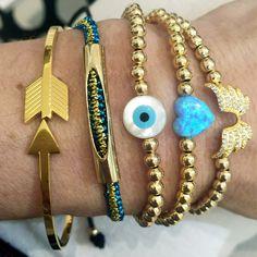 Set By Vila Veloni Golden Pellets And Arrow Delicate Bracelets