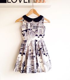 Monumental Monochrome dress http://www.deborasluijs.blogspot.com