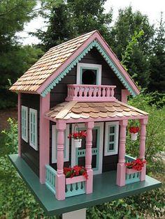 Decorative Bird Houses, Artistic Bird Houses, Architecturally Designed Birdhouses, Distinctive Bird Houses at Songbird Garden