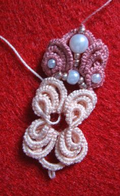 Tatting Jewelry, Needle Tatting, Tatting Patterns, Lace Making, Jewlery, Crochet Earrings, Projects To Try, Beads, How To Make