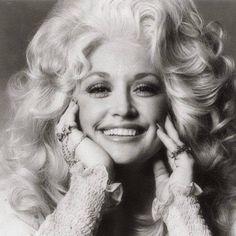 Dolly Parton Billie Holiday, Shakira, Brigitte Bardot, Dolly Parton Young, Dolly Parton T Shirt, Pretty People, Beautiful People, Beautiful Images, Beautiful Things