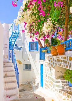 Ποιο ελληνικό νησί περιλαμβάνεται στα 14 πιο πολύχρωμα μέρη της Ευρώπης; |thetoc.gr