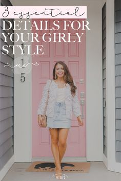 Click here to see these wardrobe essentials for a girl style on Maxie Elise Blog! You will love how stylish these girly wardrobe essentials are! Get style inspiration from these girly purse essentials as well. If you're wondering which girly essentials products to get, then this is the blog post for you. Learn all about girly essentials lifestyle tips right here! Learning how to style girly jewellery and clothing essentials is key! #girly #feminine #essentials Celebrity Fashion Outfits, Celebrity Style Casual, Winter Fashion Outfits, Fashion Tips For Women, Girl Fashion, Fall Fashion Week, Fall Fashion Trends, Sundress Outfit, Purse Essentials