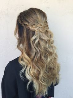 Elegant Braid Half Up Half Down Hairstyles - New Hair Models - Frisuren Ideen 2019 - Wedding Hairstyles Lazy Day Hairstyles, Box Braids Hairstyles, Hairstyles 2016, Hairstyle Ideas, Curled Hairstyles For Prom, Homecoming Hairstyles Down, Updo Hairstyle, Hairstyles Pictures, Homecoming Hair Down