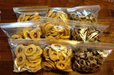 Cómo preparar fruta seca Comidas Light, Les Croquettes, Dehydrator Recipes, Mini Cheesecakes, Sin Gluten, Food Storage, Street Food, Stuffed Mushrooms, Food Porn