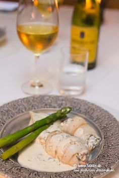 Räkfylld bergtunga i vitvinssås LCHF Lchf, Fine Dining, Fresh Rolls, Seafood, Veggies, Health Fitness, Food And Drink, Fish, Ethnic Recipes