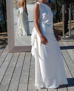 Robe de Mariée asymétrique Yves St Laurent 2013 à Bordeaux