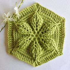 "Yesterday I discovered ""embossed crochet"" on the site of and loved it immediately. After a few attempts and with the help… Crochet Earrings Pattern, Crochet Bunny Pattern, Crochet Mandala Pattern, Crochet Flower Patterns, Crochet Designs, Crochet Stitches, Crochet Flower Scarf, Crochet Garland, Crochet Leaves"