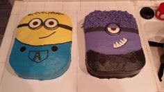 Minion birthday cakes. I like that. Good for lots of friends and family!