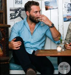 Hot Guy/Cold Drink: Dirty Martinis and Msucle Fatigue With Jai Courtney - Elle