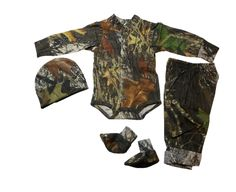 """Mossy Oak Baby Boys Outfit 4PC (Mossy Oak, 3-6M 9-12 LBS). Boys 4 PC baby set in licensed Mossy Oak - now you can """"bring him home in camo"""". Set includes: Long sleeve onsie snap shirt, pull on elastic waist lightweight cotton pant, cap and footies - perfect for gift giving. Officially licensed camo products; Jordan Lee Originals; made in the USA. Camo is 100% cotton; machine wash cold, tumble dry low or line dry. Garment is not preshrunk and will shrink slightly the first time in a dryer…"""