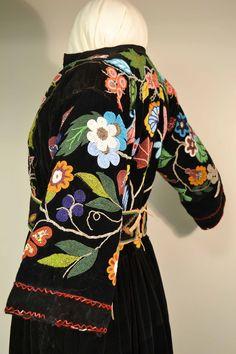 ojibwe dress with flower beadwork, beading, bead work