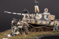 Tamiya Tiger I 1/35 Alpine & Warriors 1/35 by Luc Klinkers