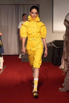 Symonds Pearmain Spring 2020 Ready-to-Wear Fashion Show - Vogue Live Fashion, Fashion 2020, Womens Fashion, Fashion Trends, Vogue Paris, Catwalk Fashion, Fashion Show, Singer Fashion, Mannequins
