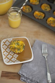 A super simple throw together breakfast that my kids love… and it's healthy!  KitchenWise // Mini Crustless Quiche - Fresh Mommy Blog