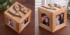 Os presento un precioso detalle para la decoración de vuestra casa y para declarar vuestro amor. Este cubo de madera personalizado es un regalo perfecto en el podrás colocar fotos de vuestra relación y decorar de esta forma tan especial vuestro hogar.