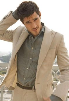 Dave Annable. May he find another T.V. show that I can watch him on...