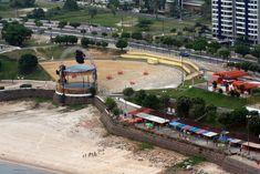PRAIA E ANFITEATRO NA PONTA NEGRA Praia da Ponta Negra e Anfiteatro antes da sua reformulação, zona oeste de Manaus.  Foto: Durango Duarte. Acervo: Fotos Aéreas Manaus – 2007.