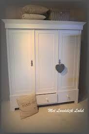 Afbeeldingsresultaat voor meisjeskamer met oude meubels