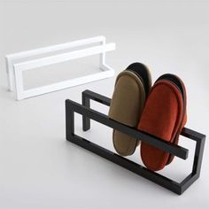 DIY Shoe Rack for Arranging Your Footwear Iron Furniture, Furniture Design, Slim Shoe Rack, Shoe Racks, Clean Kitchen Cabinets, House Plants Decor, Home Room Design, Shoe Storage, Home Projects