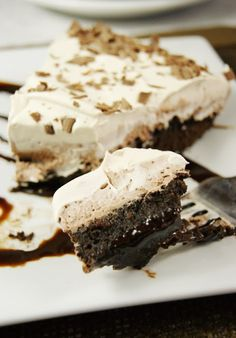 Mocha Fudge Pie - A Fudgy Brownie Bottom Topped With 2 Coffee & Kahlua Laced Creamy Layers Decadent Chocolate, Chocolate Treats, Chocolate Desserts, Pie Recipes, Sweet Recipes, Dessert Recipes, Recipies, Dessert Ideas, Just Desserts