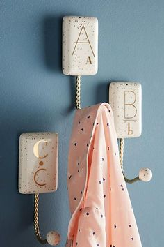 These Anthropologie Gilded Shapes Monogram Hook will look AWESOME in so many rooms! Palette Wall, Stylish Letters, Gold Bedroom Decor, Anthropologie Home, Cute Bedding, Monogram Wall, Home Decor Quotes, Nursery Design, Decoration