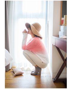 #trendy #dailylook #sthsweet #somethingsweet #designer #streetfashion #skirt #fashionweek #koreanfashion #chuu #wardrobe #stylist #jeans #pink #girl #color