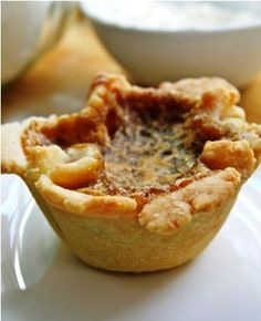 Anna Olson's Raisin Butter Tarts Anna Olsen's raisin butter tart recipe – note will cut raisins and maybe add pecans Tart Recipes, Sweet Recipes, Baking Recipes, Cookie Recipes, Fudge Recipes, Curry Recipes, Holiday Baking, Christmas Baking, Best Butter Tart Recipe