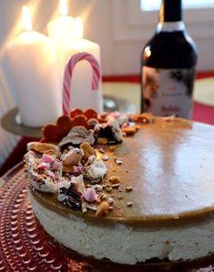 Jouluinen pipari-kinuski juustokakku - Festivus, Cheesecake, Baking Ideas, Desserts, Food, Healthy, Cheesecake Cake, Postres, Deserts