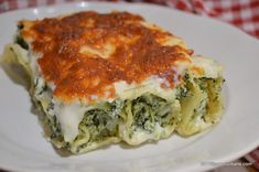 Cannelloni with ricotta and spinach classic recipe Breakfast Sandwich Recipes, Ovo Vegetarian, Spinach Ricotta, How To Cook Pasta, Pasta Recipes, Food And Drink, Healthy Eating, Healthy Recipes, Vegetarische Rezepte