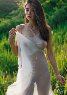Just a blog to enjoy see-through- and wet clothes in photo's. When you are a woman and like to chat...