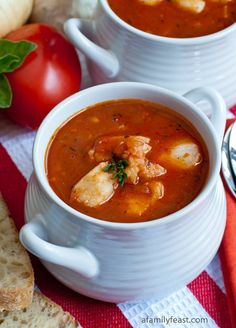 Italian Fish Chowder - A Family Feast® Clam Chowder Recipes, Fish Chowder, Fish Soup, Best Soup Recipes, Fish Recipes, Seafood Recipes, Cooking Recipes, Seafood Soup, Seafood Dishes