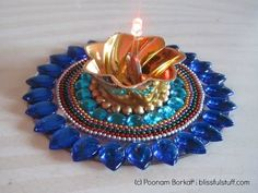 DIY - Recycle an old CD and broken bangles into a beautiful candle holder Mosaic Projects, Diy Craft Projects, Projects To Try, Cute Candles, Beautiful Candles, Cd Crafts, Diy And Crafts, Do It Yourself Videos, Recycled Cds