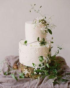 Fall Wedding Cakes, Elegant Wedding Cakes, Wedding Cakes With Flowers, Beautiful Wedding Cakes, Wedding Cake Designs, Wedding Desserts, Wedding Cake Toppers, Beautiful Cakes, Rustic Wedding