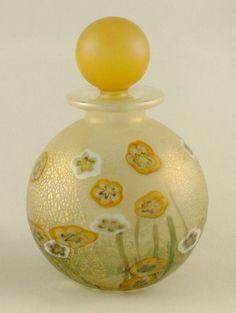 Wild Garden Buttercups & Daisies round perfume bottle, 9 cm high