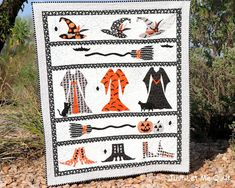 Just Let Me Quilt - Halloween quilt using Riley Blake Design's Cats, Bats, and Jacks fabric Halloween Quilt Patterns, Halloween Quilts, Fall Halloween, Halloween Costumes, Halloween Sewing Projects, Halloween Table, Halloween Ideas, Halloween Decorations, Halloween Fabric Crafts