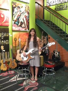 Paz Lenchantin, All About That Bass, Women Of Rock, Female Guitarist, Meghan Trainor, Go Blue, Rock Chic, Music Stuff, Poses