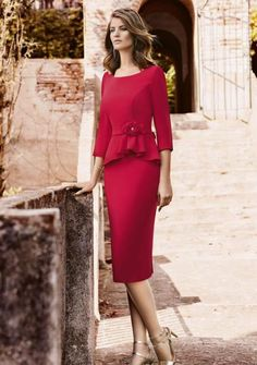 Very Lovely Skirts, Skirtsuits, and Dresses The Dress, Dress Skirt, Peplum Dress, Classy Business Outfits, Pink Pleated Skirt, Girls Dresses, Prom Dresses, Fashion Beauty, Womens Fashion