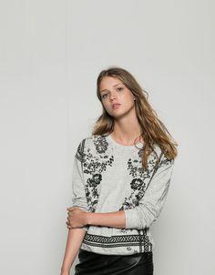 Bershka Spain - Bershka sweatshirt with printed flower border