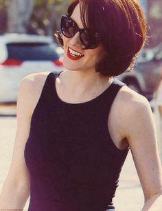 Michelle Dockery. Love her sunglasses!