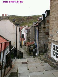 Staithes, Yorkshire Yorkshire England, North Yorkshire, Fossil Hunting, Living In England, House Of Commons, Art And Architecture, East Coast, Britain, United Kingdom