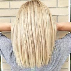 Light blonde long bob (@ laurajoleschstylist) New Site - Cabello Rubio Light Blonde Hair, Brown Blonde Hair, Blonde Wig, Blonde Color, Blonde Balayage, Super Blonde Hair, Blonde Hair Shades, Blonde Hair Looks, Bleach Blonde Bob