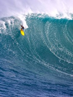 Surf South Africa | surfing blog - Massive waves at Jaws