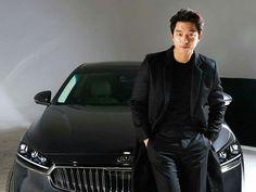 I love black. I love 공유. Korean Celebrities, Korean Actors, Namgoong Min, Goblin Gong Yoo, Yoo Gong, Jang Hyuk, Korean Star, Handsome, Leather Jacket