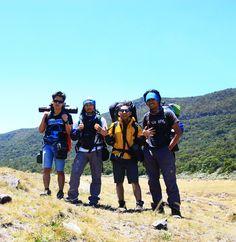 Mendaki cara kami mencintai negeri ini :)
