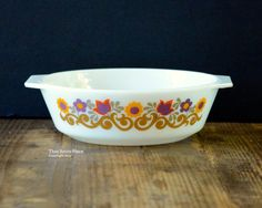 JAJ were the producers of Pyrex bowls and bakeware in England from 1922 until the plant (in Sunderland, UK) closed in 2007. Items were