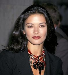 catherine zeta jones hot photos/catherine zeta jones beautiful photos/catherine zeta jones hd photos: catherine zeta jones photo